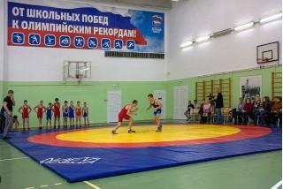 Показательные выступления спортсменов ДЮСШ «Факел» по вольной борьбе